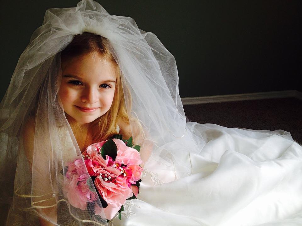 wedding-dress-366543_960_720